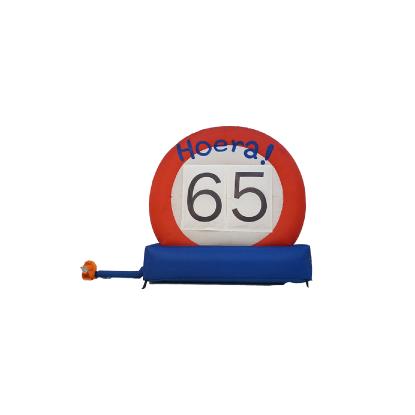 HalveAbraham.nl - Opblaasbaar verkeersbord 65 jaar