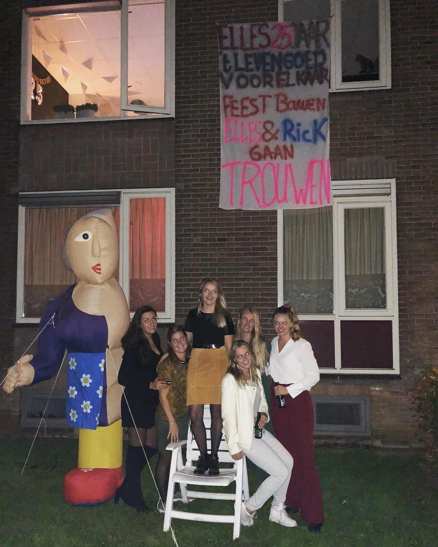 Hedendaags Halve Sarah Elles in Zwolle viert feest PX-26